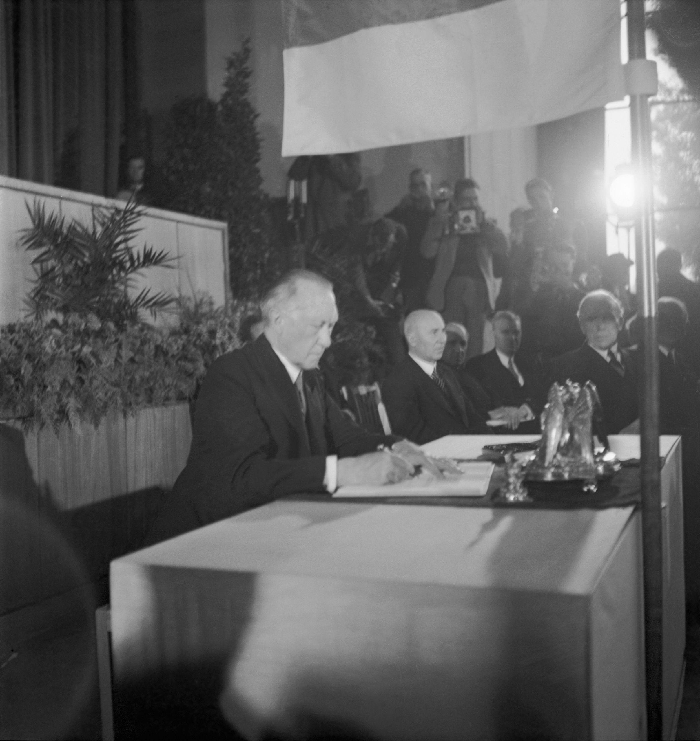 Credit Bestand Erna Wagner Hehmke Haus der Geschichte Bonn Bilddaten dürfen nicht beschnitten od