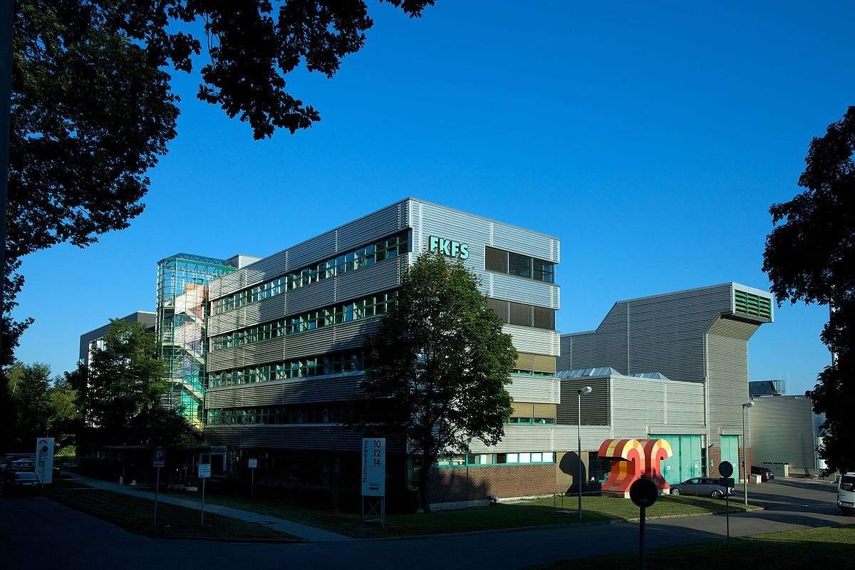 1200px FKFS Gebäude 2010