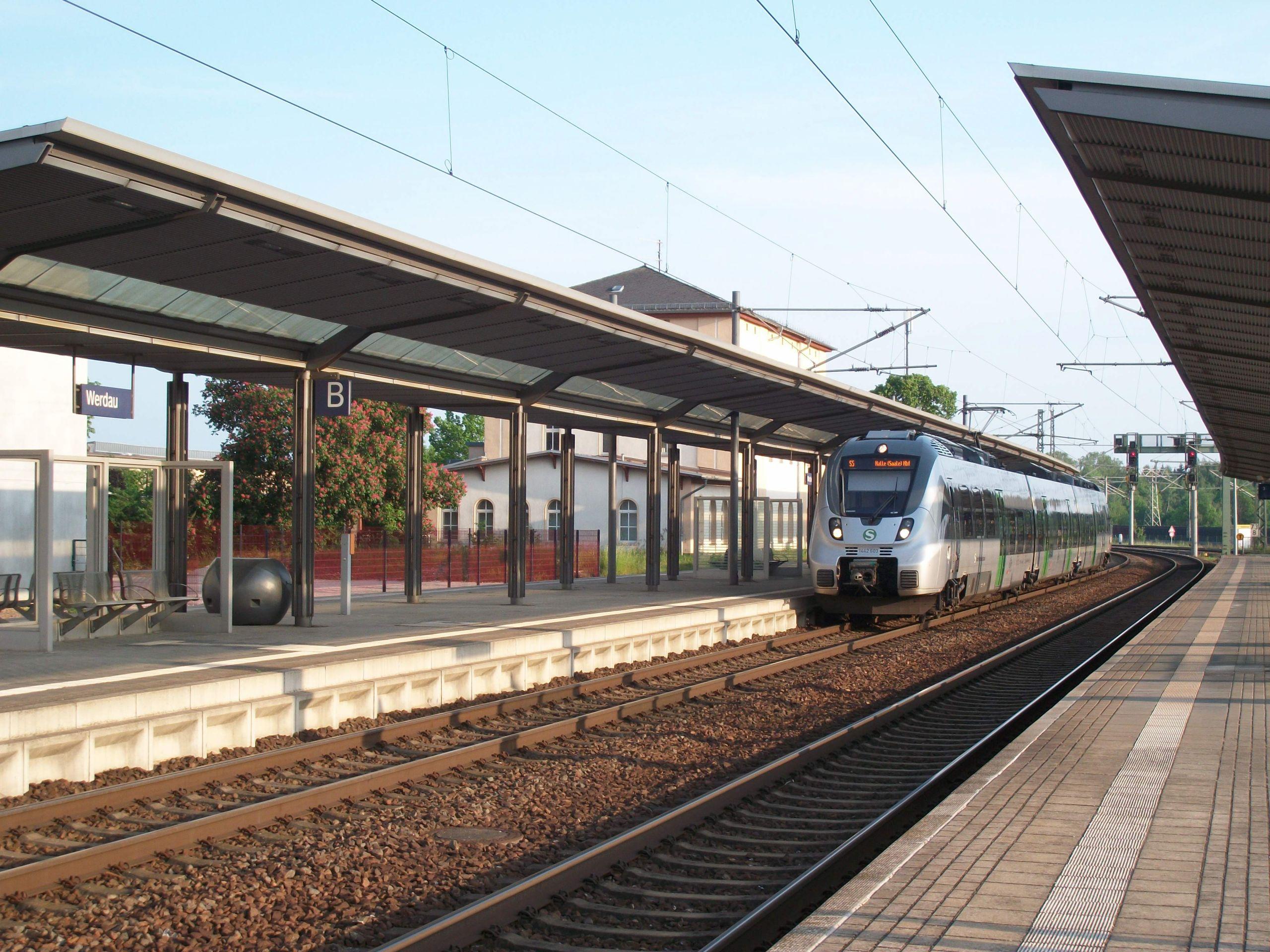 Bahnhof Werdau mit S Bahn 7