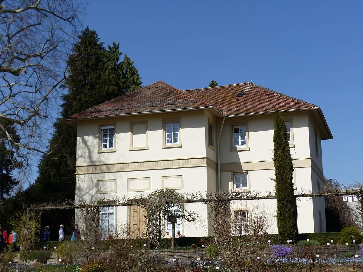 1200px Sogenanntes Spielhaus Exotischer Garten 1 Stuttgart