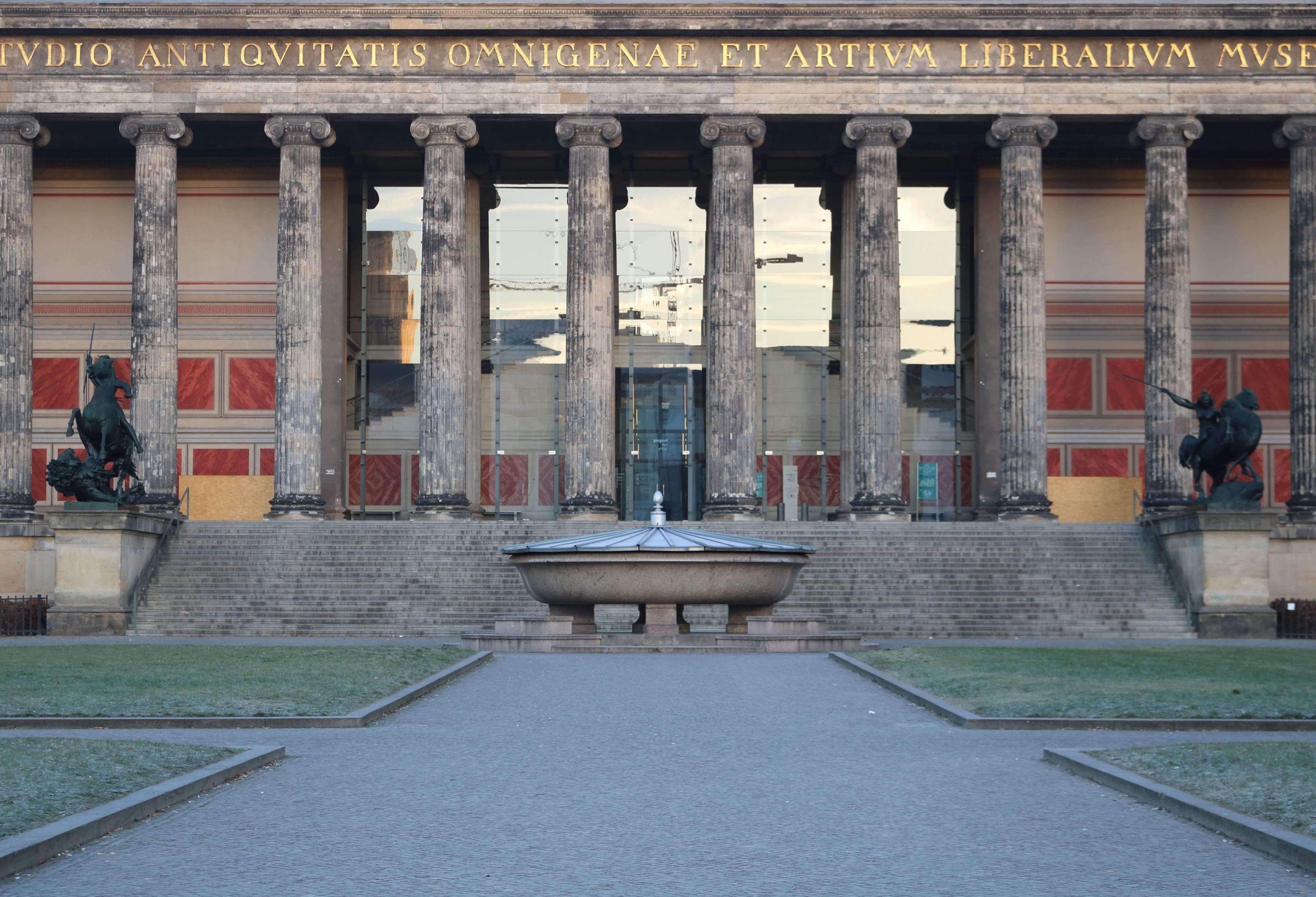 altes museum bodestrasse 1 3 berlin 2