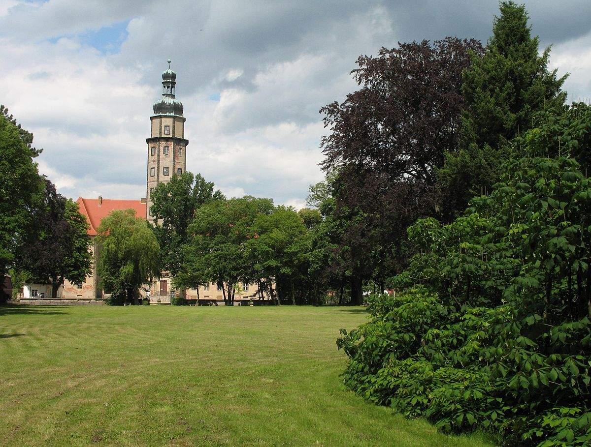 1200px Reinharz Schlosspark