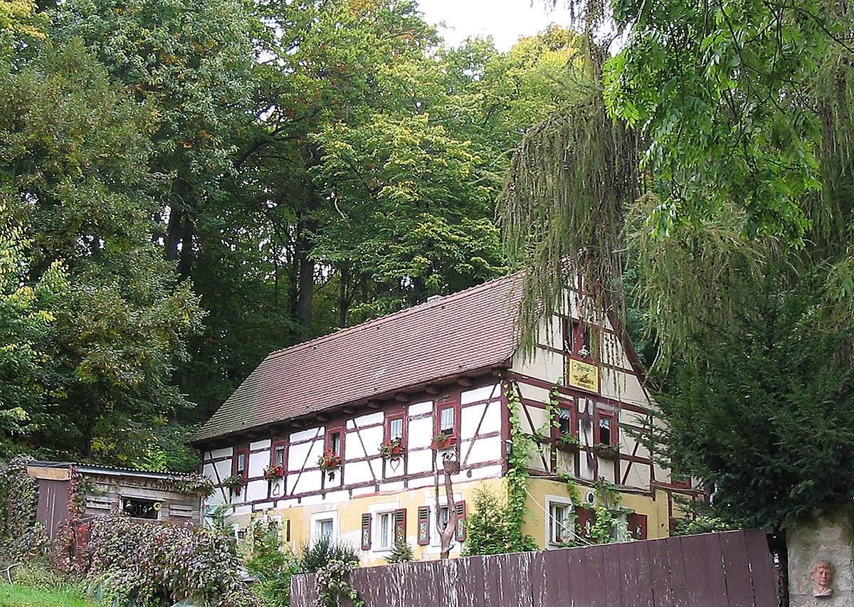 1200px Radebeul Goldschmidtvilla Bauernhaus