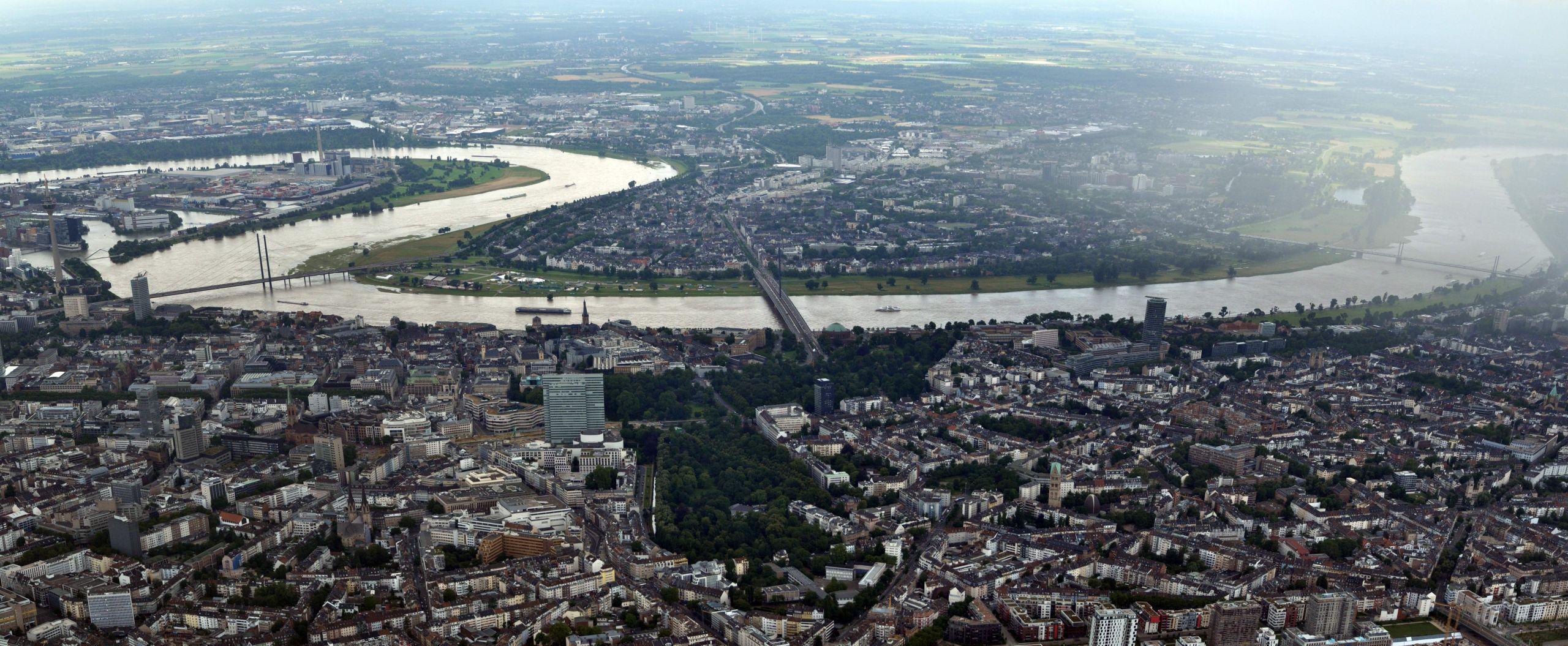 Duesseldorf Panorama 2016