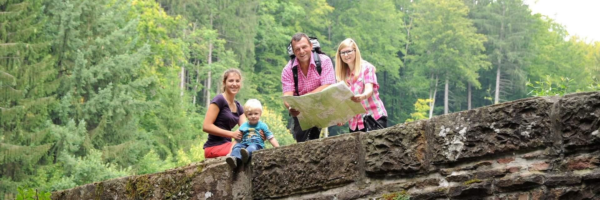 csm Odenwald Wanderer 1 c Touristikgemeinschaft Odenwald 2021a9343f