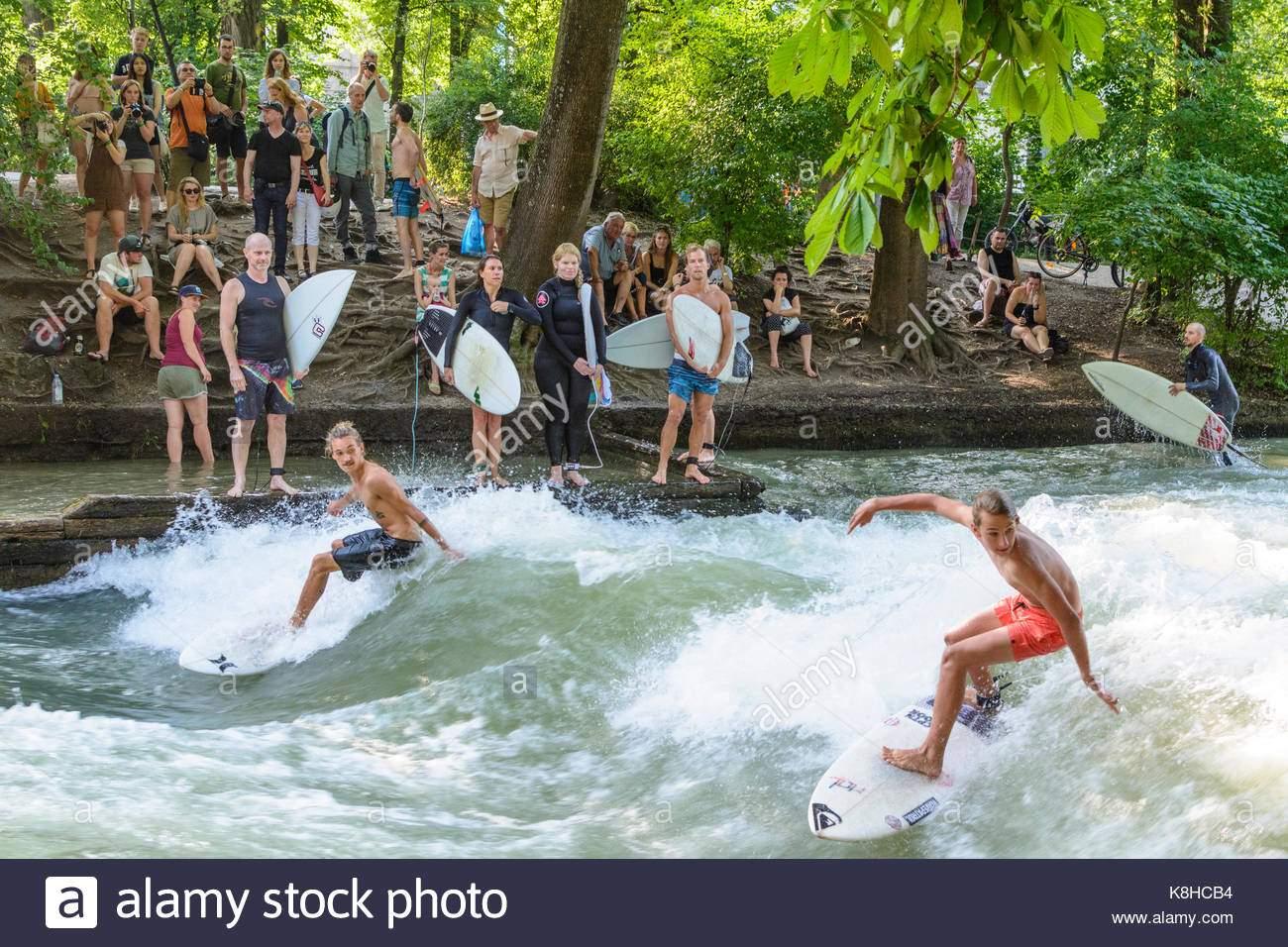 surfer at stream eisbach wave englischer garten english garden mnchen K8HCB4