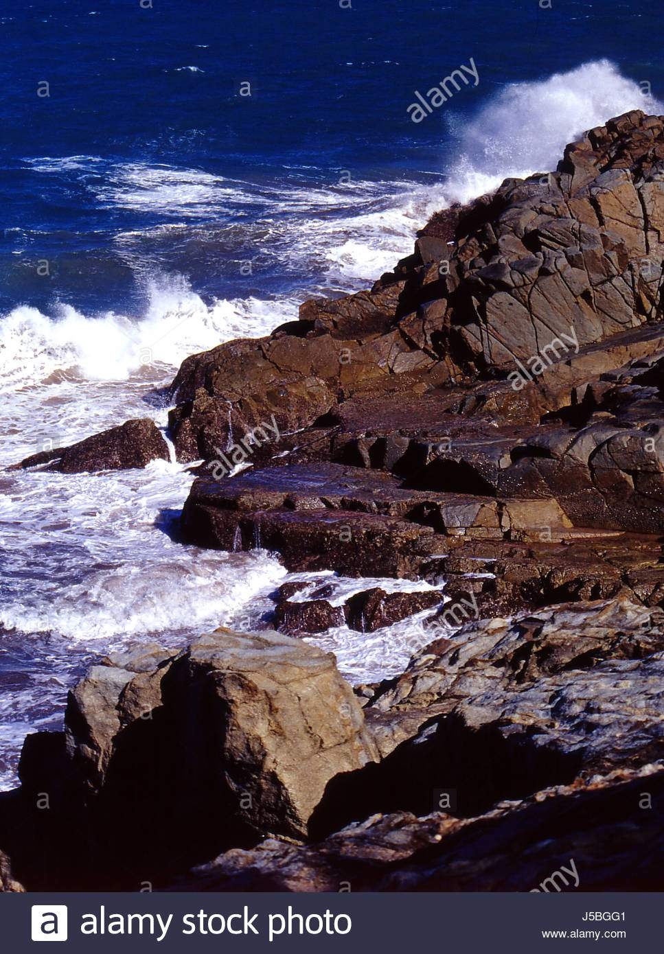 wellen australien pazifik salzwasser meer ozean wasser steilen kuste surfen wind j5bgg1