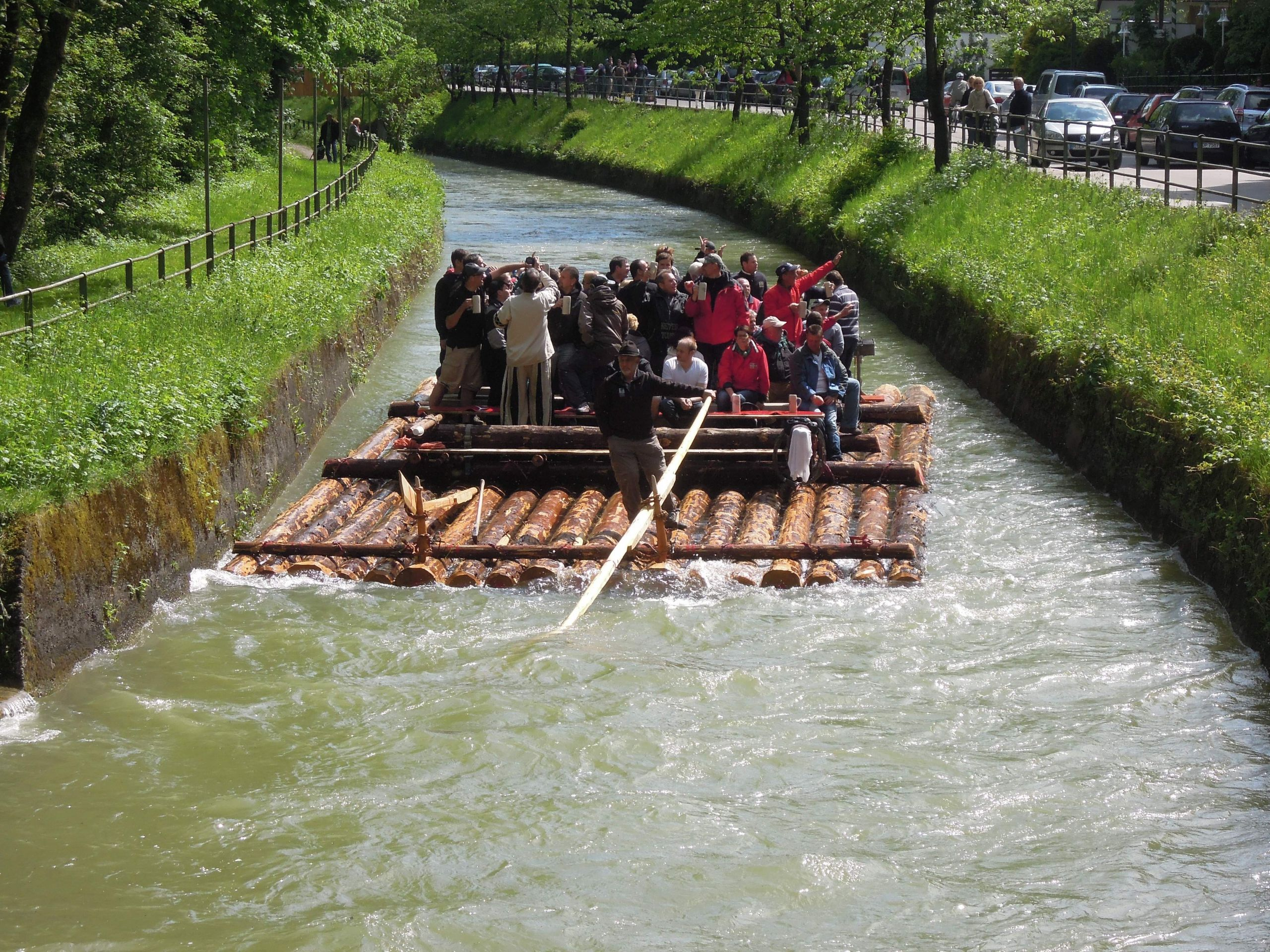 München Flaucher Floß auf dem Ländkanal 03