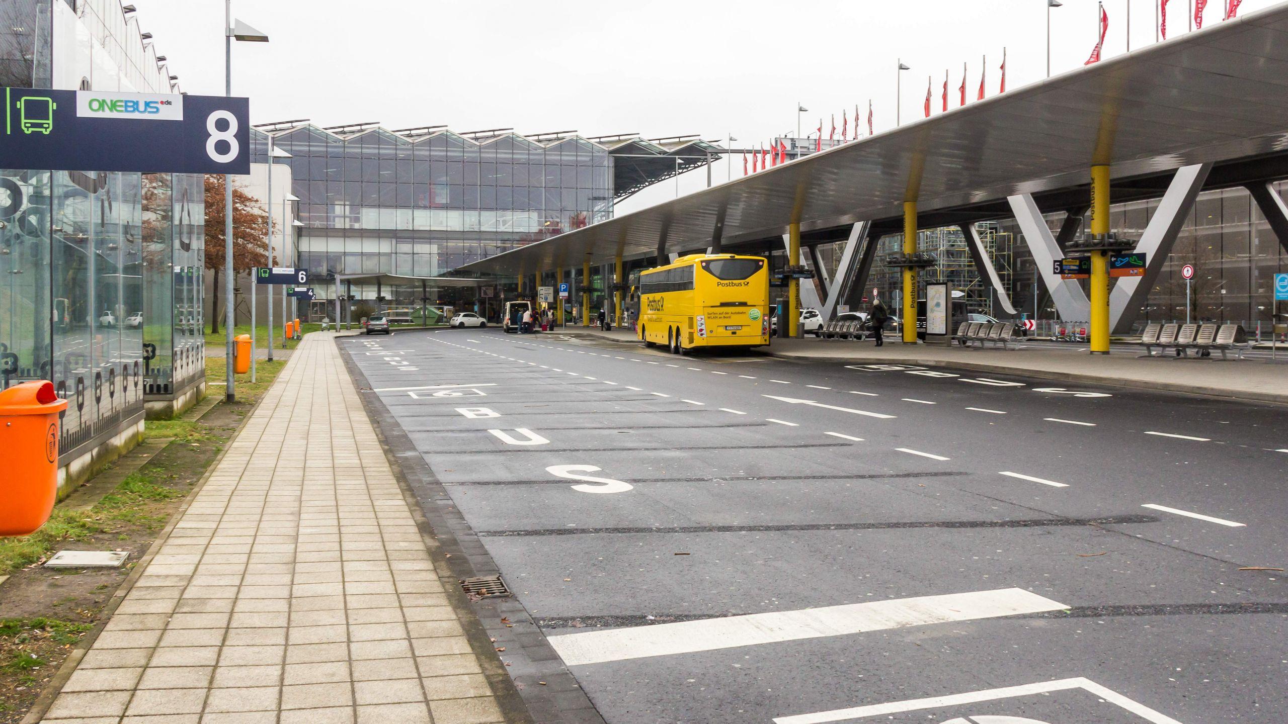 Fernbusbahnhof Airport Köln Bonn 7048