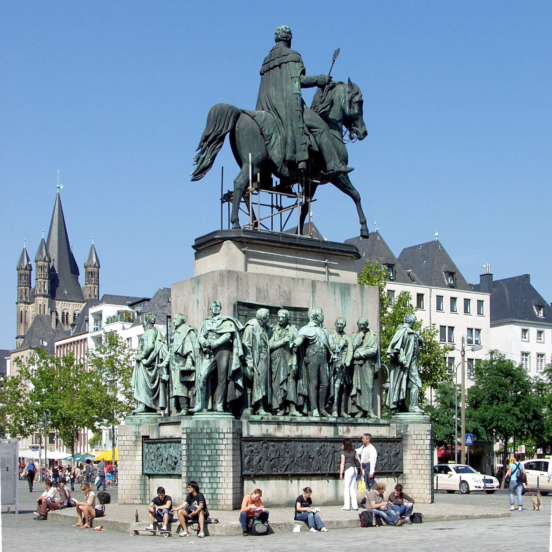Standbild Heumarkt Köln Gesamtansicht
