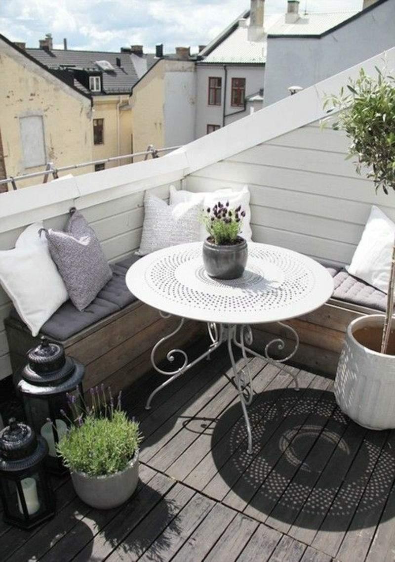 balkon bepflanzen sch C3 B6ner runder tisch in weißer farbe