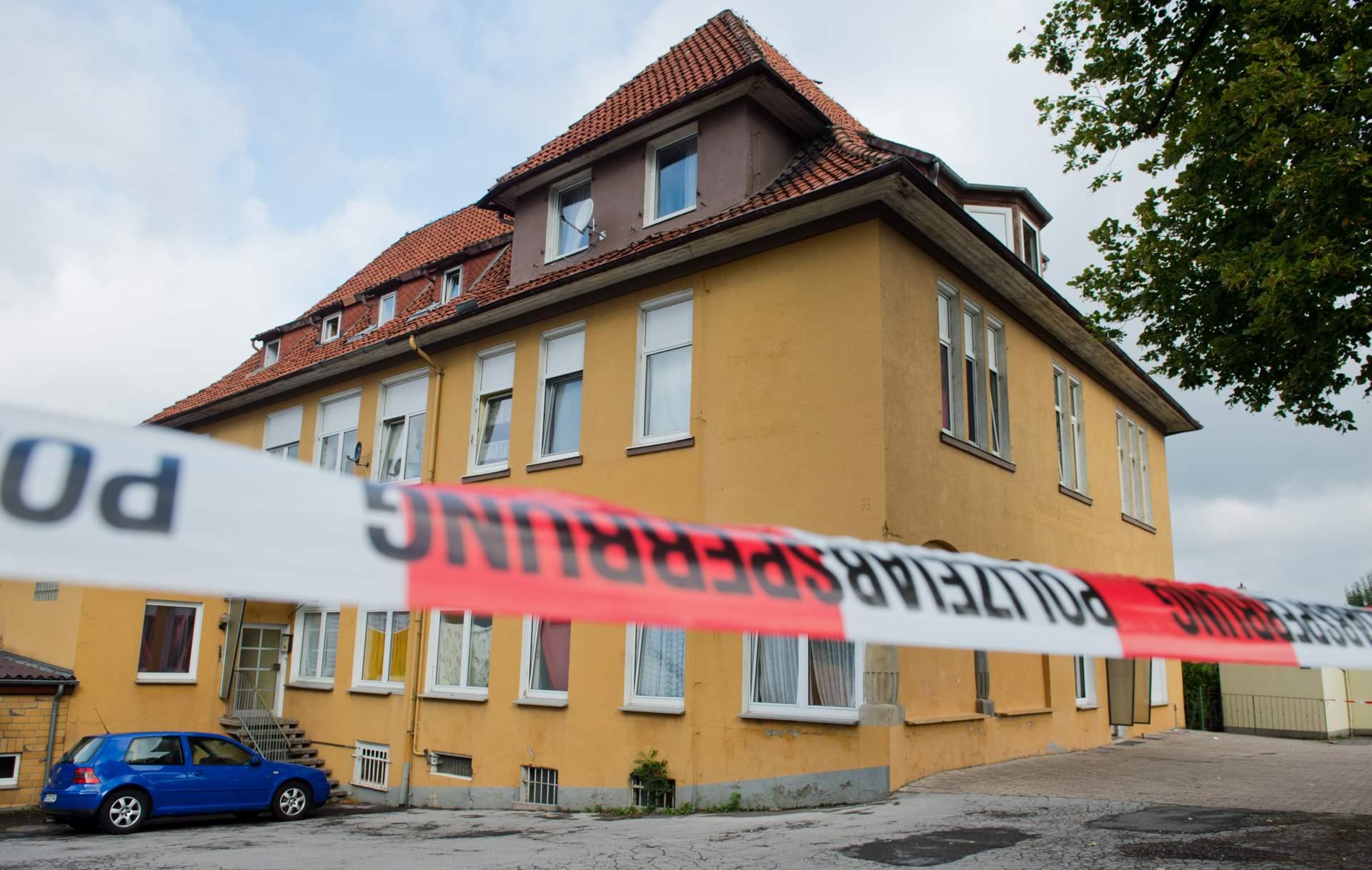Versicherer kuendigt Schutz fuer Fluechtlingsunterkunft master reference