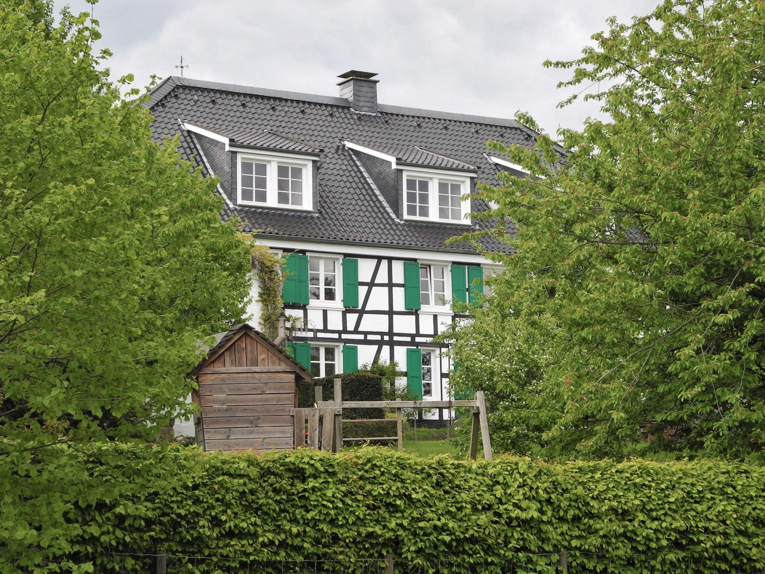 Wuppertal Junkersbeck 1 Gartenfront Bild 1