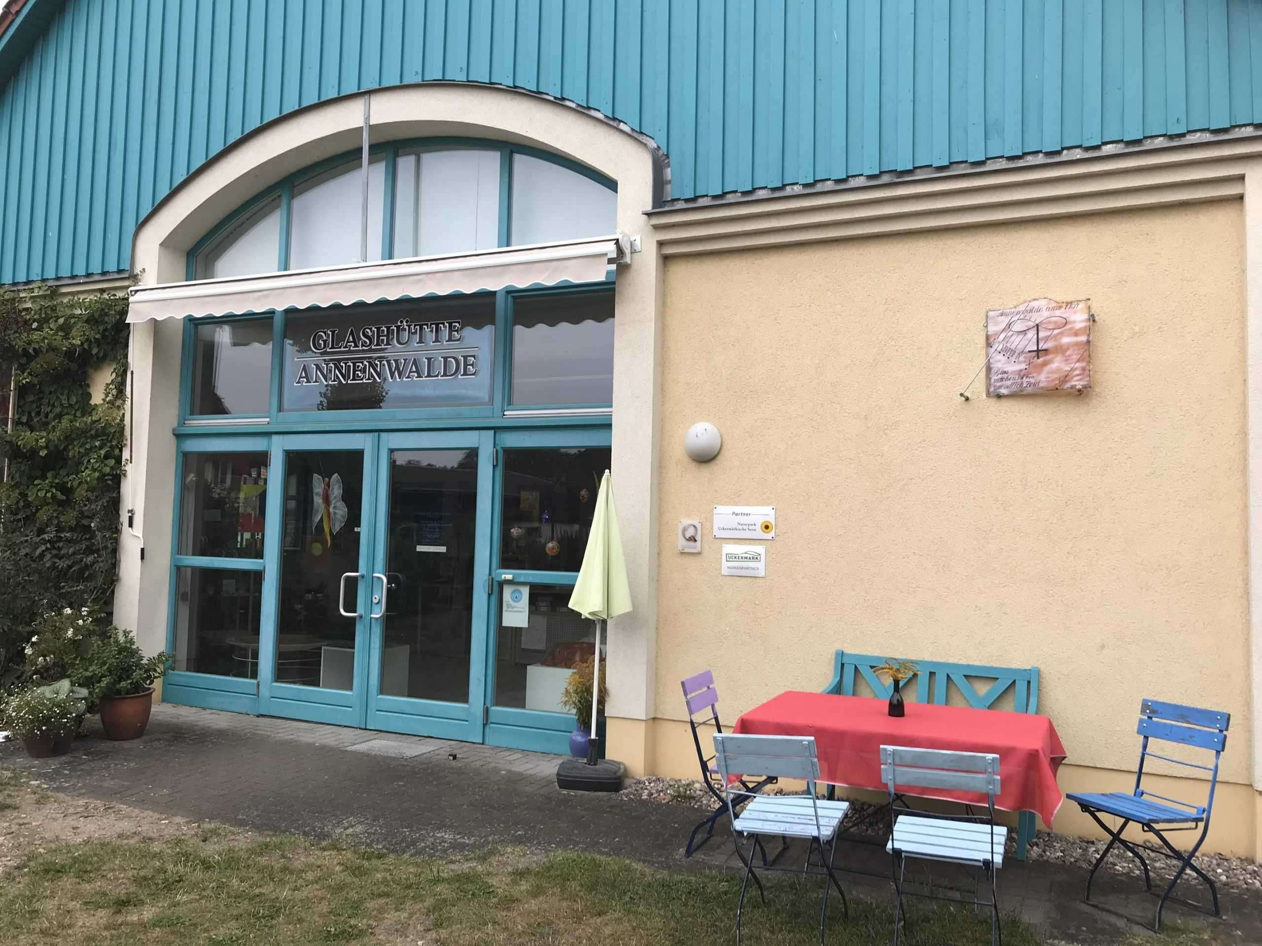 vUsfi1 Eingang Glashuette Annenwalde Foto Anet Hoppe JPG