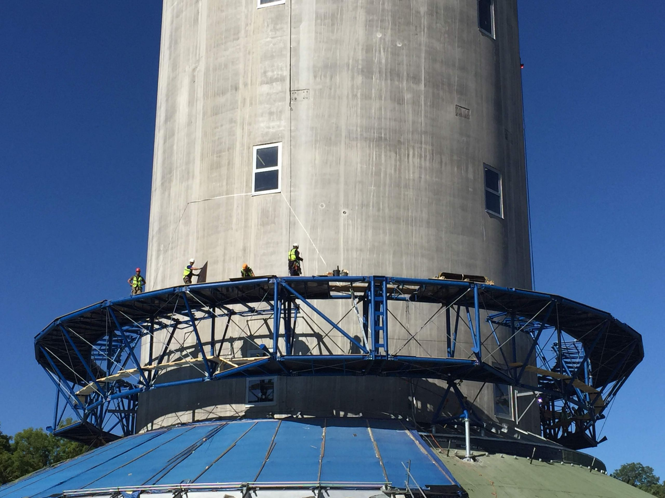 Mobile Platform test tower c thyssenkrupp JPG