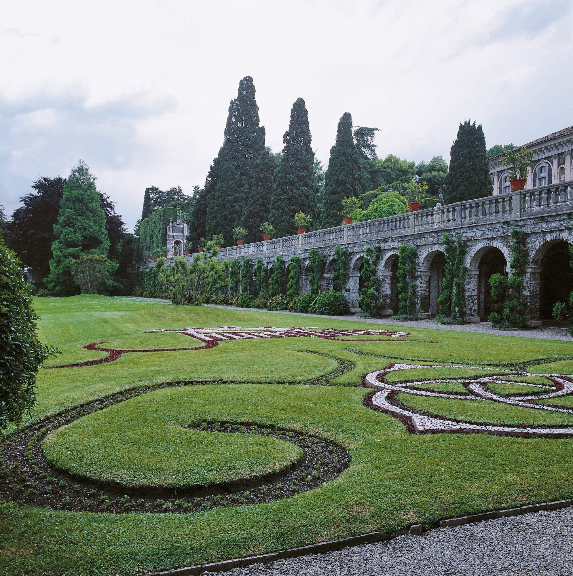 borromeo gardens ge original lightbox