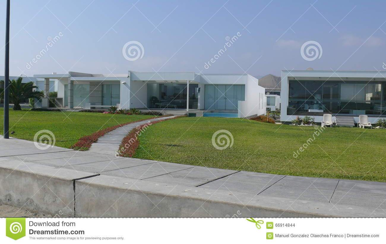 zwei moderne sommerhäuser süden von lima
