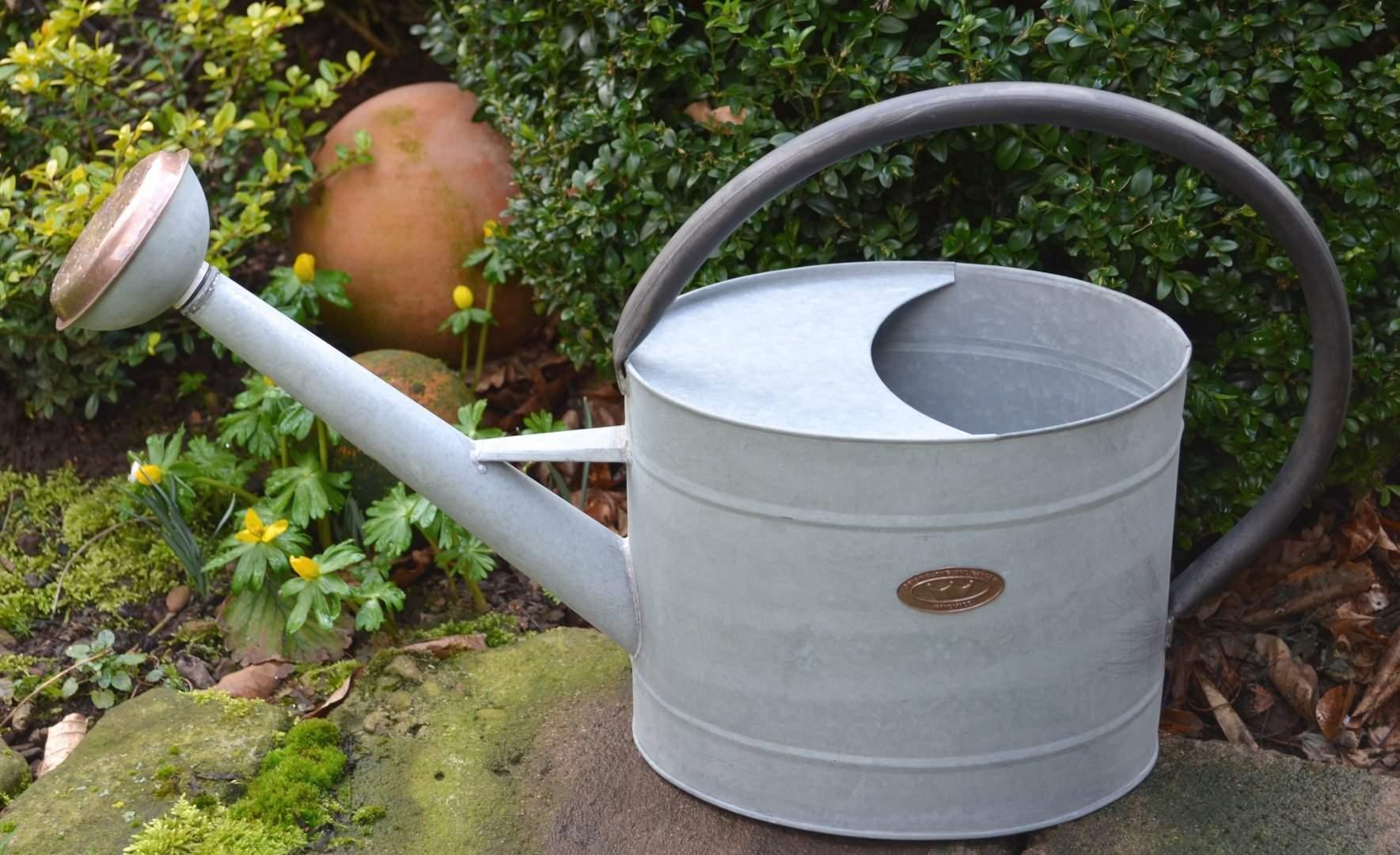 Englische traditionelle Giesskanne verzinkt 75 Liter