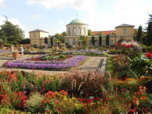 Visit the Herrenhausen Gardens in Hannover