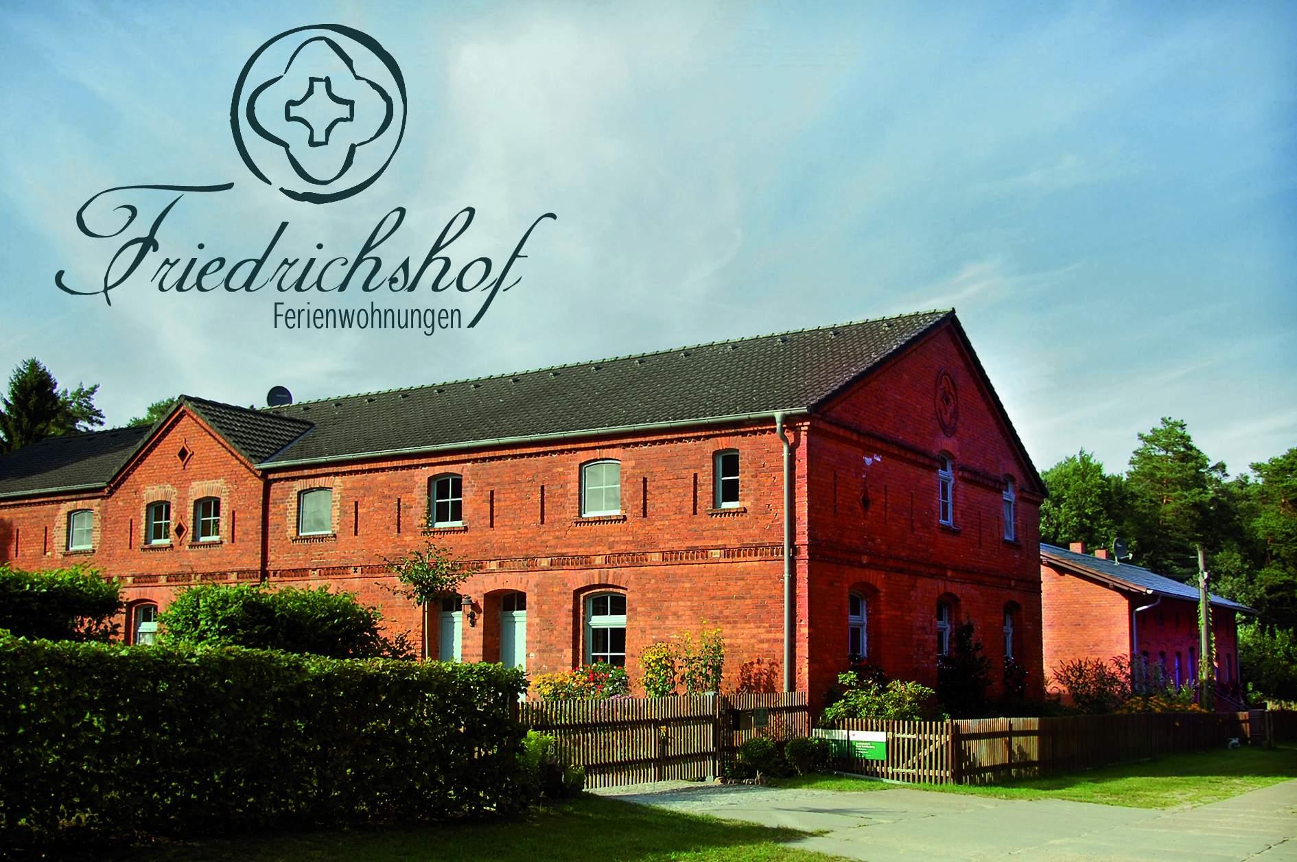 yKTVnR Friedrichshof mit Logo Friedrichshof Ferienwohnungen