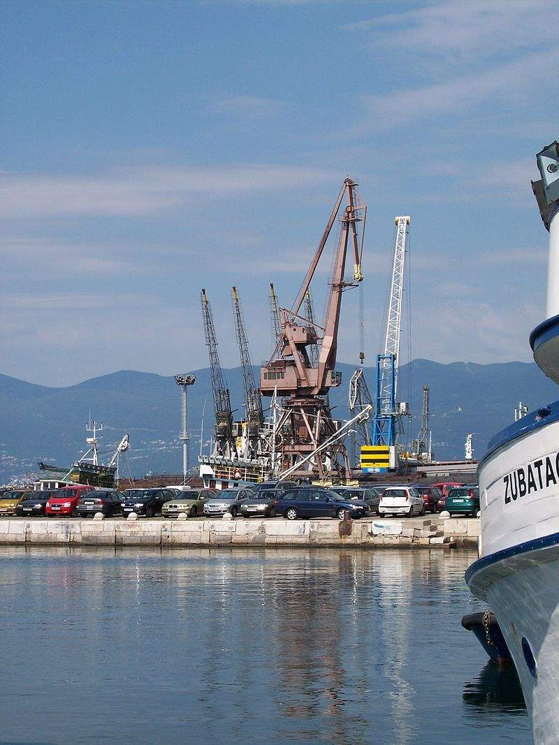 800px Rijeka harbor 2 JPG