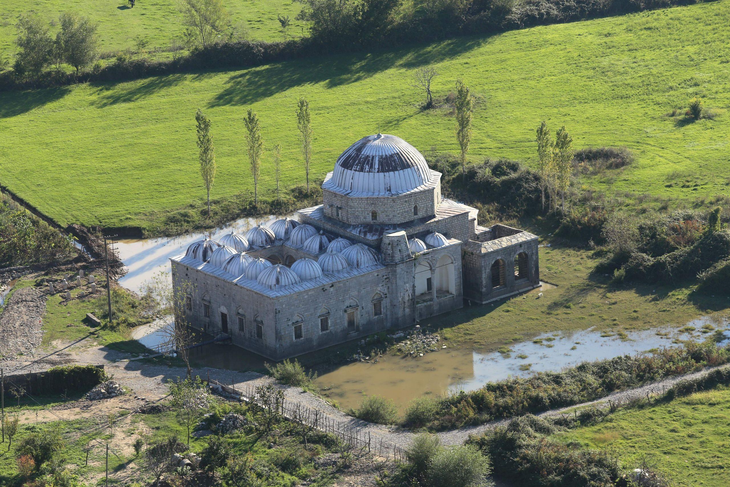 2013 10 03 Lead Mosque Shkodër 0367