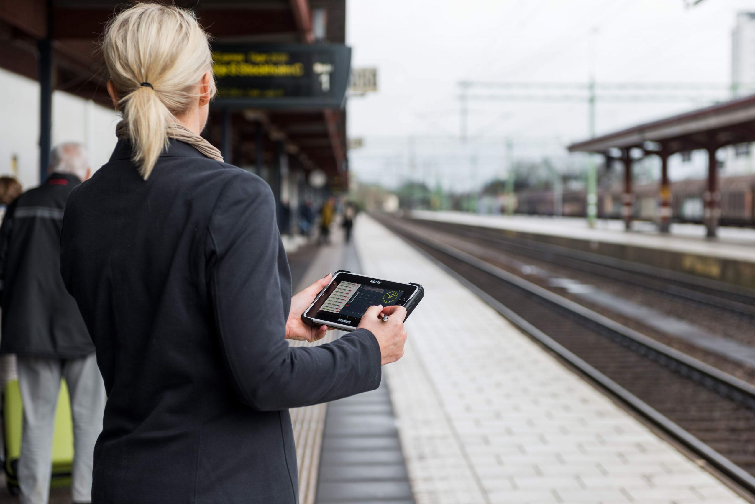 ALGIZ RT7 eTicket Android fare collection trainstation