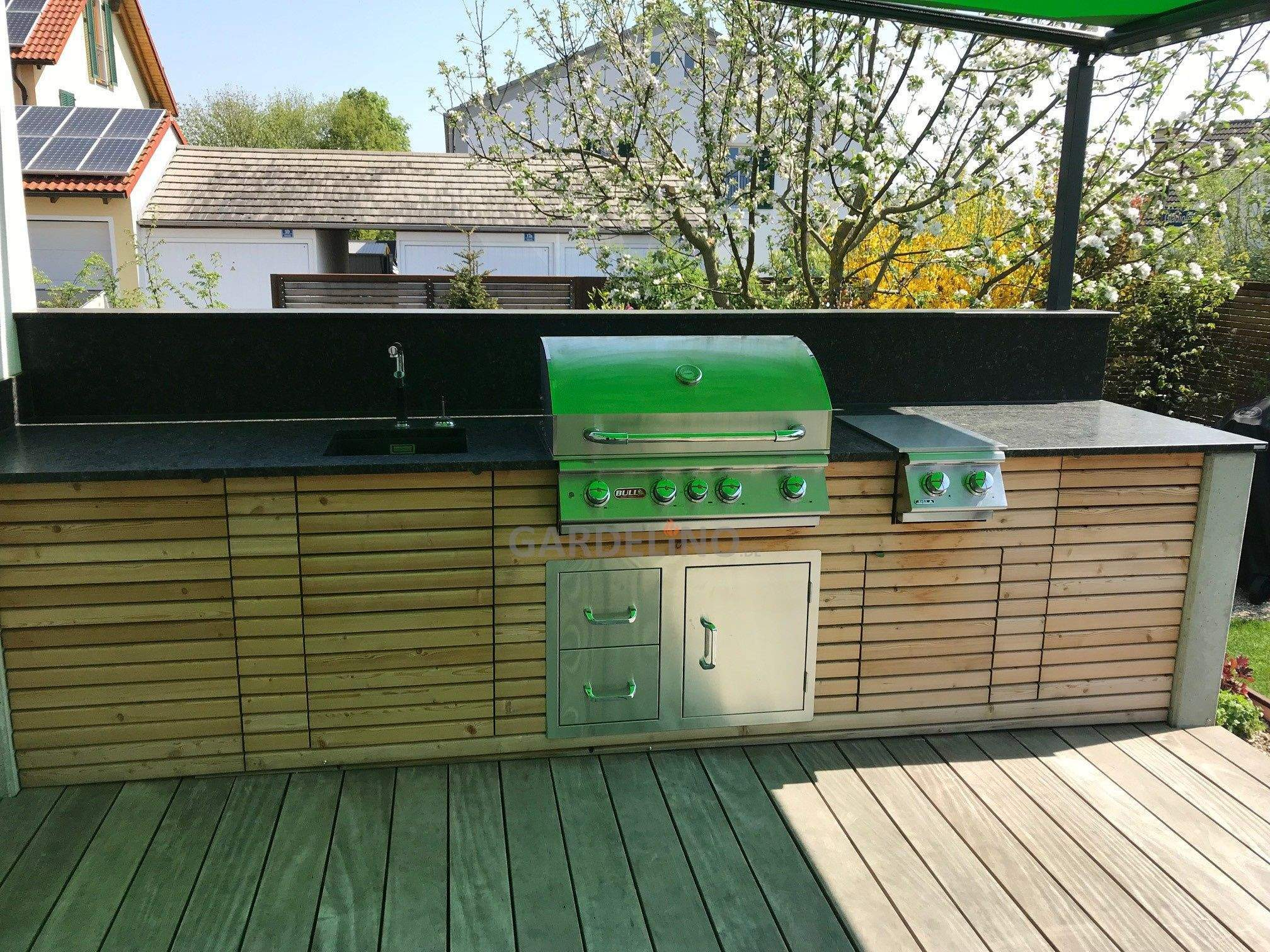 grillplatz im garten selber bauen einzigartig inspiration outdoorkuche aus holz mit bull bbq grill und of grillplatz im garten selber bauen