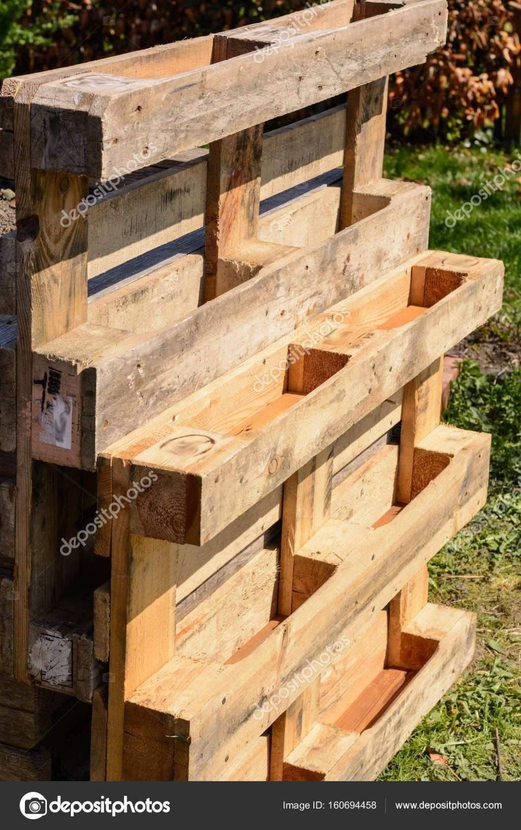 Upcycling Garten Von Holzpaletten Stockfoto Alho007 Holzpaletten Beet 1024x1631