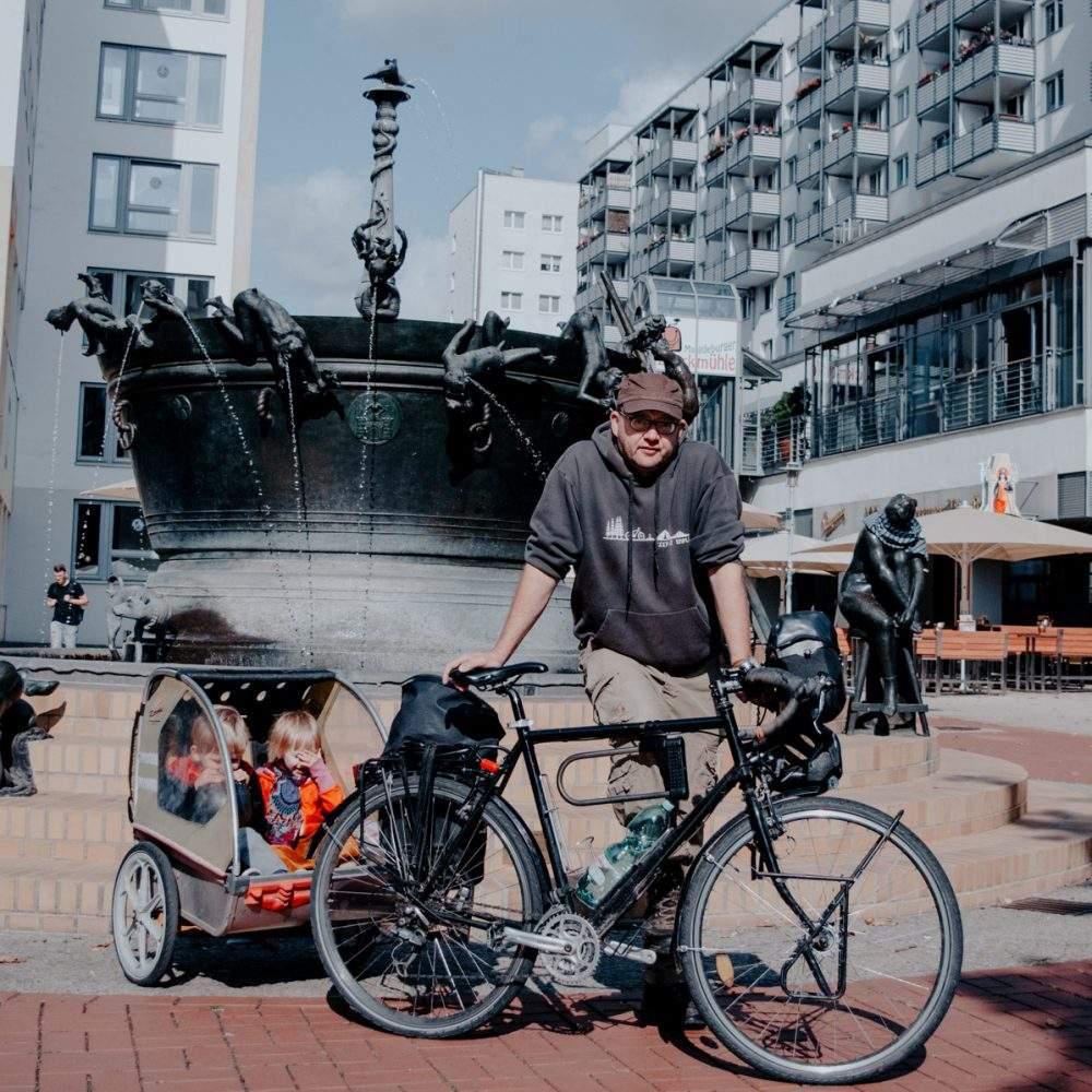 Thorsten Gieefers Familienhaus Fahrrad Fahrradportrait 2018 Kinderanhänger Fahrrad 1000x1000