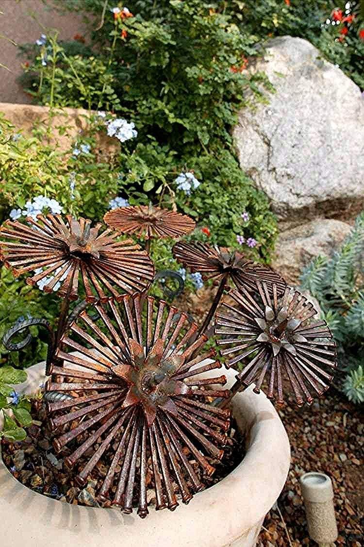 gartenlaterne rost schon 25 magnificent diy mosaic garden decorations for your von gartenlaterne rost 1