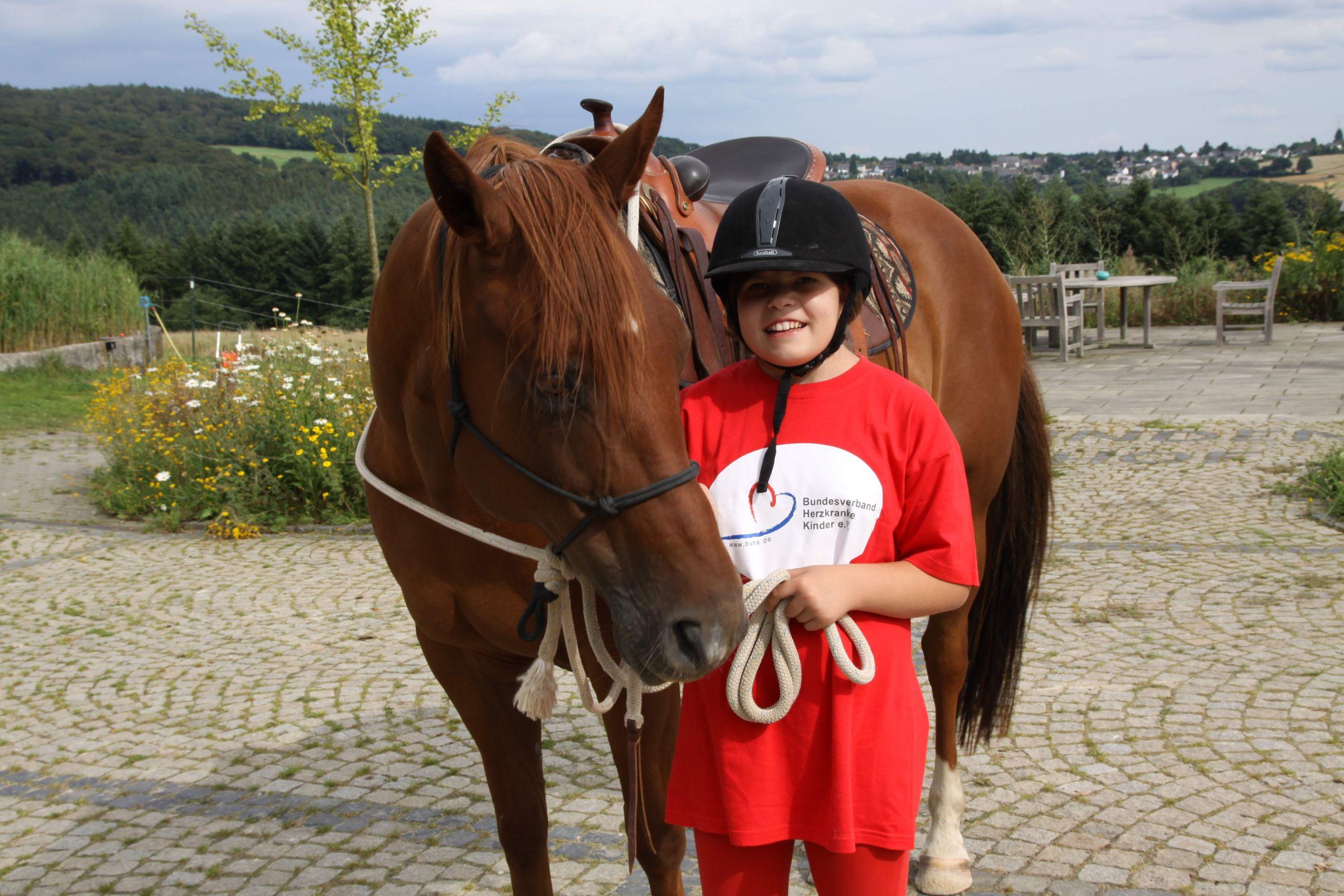 Mädchen Helm Spaß 2 JPG