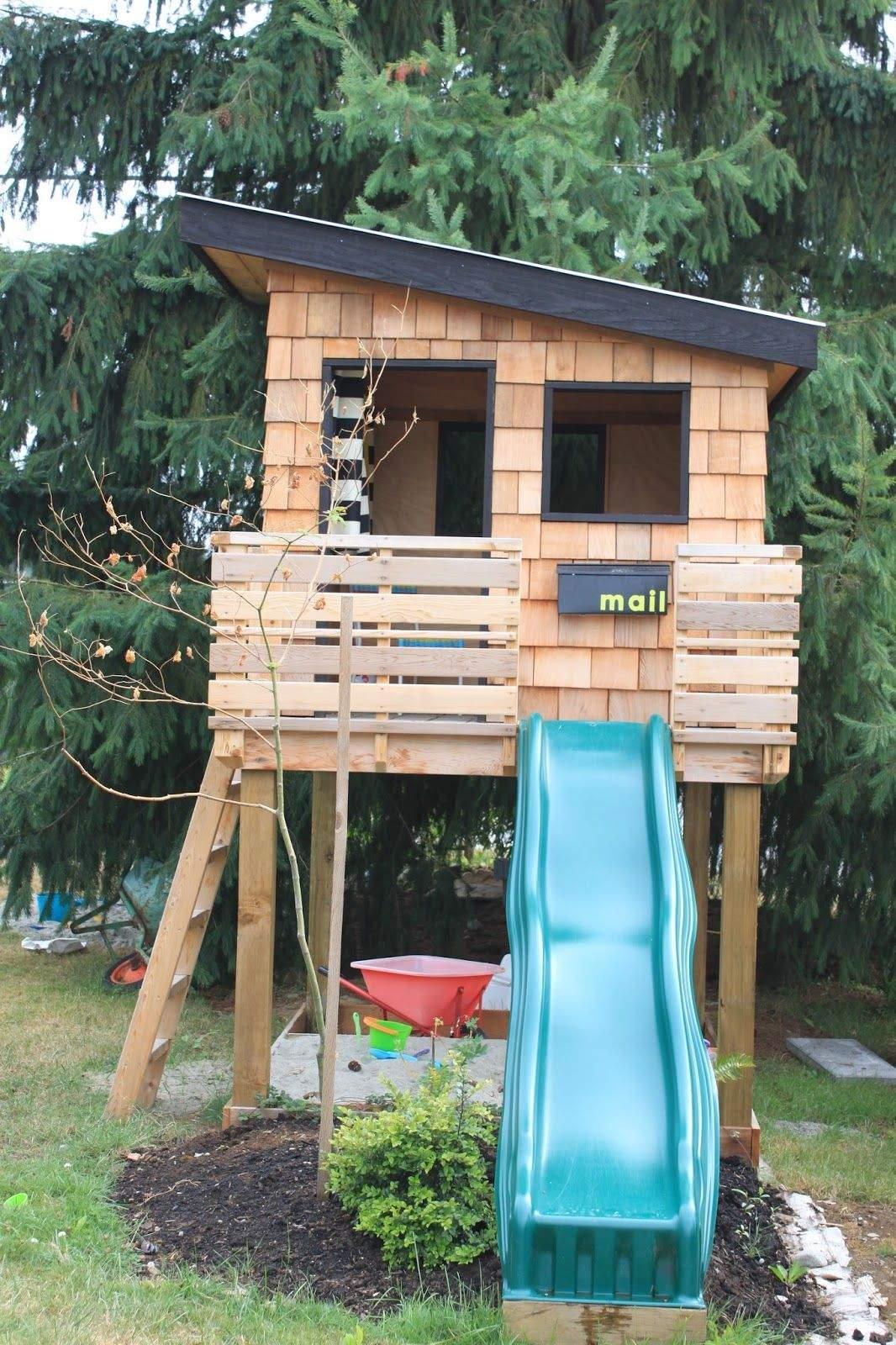 Spielhaus Garten Holz Das Beste Von 15 Pimped Out Playhouses Your Kids Need In the Backyard
