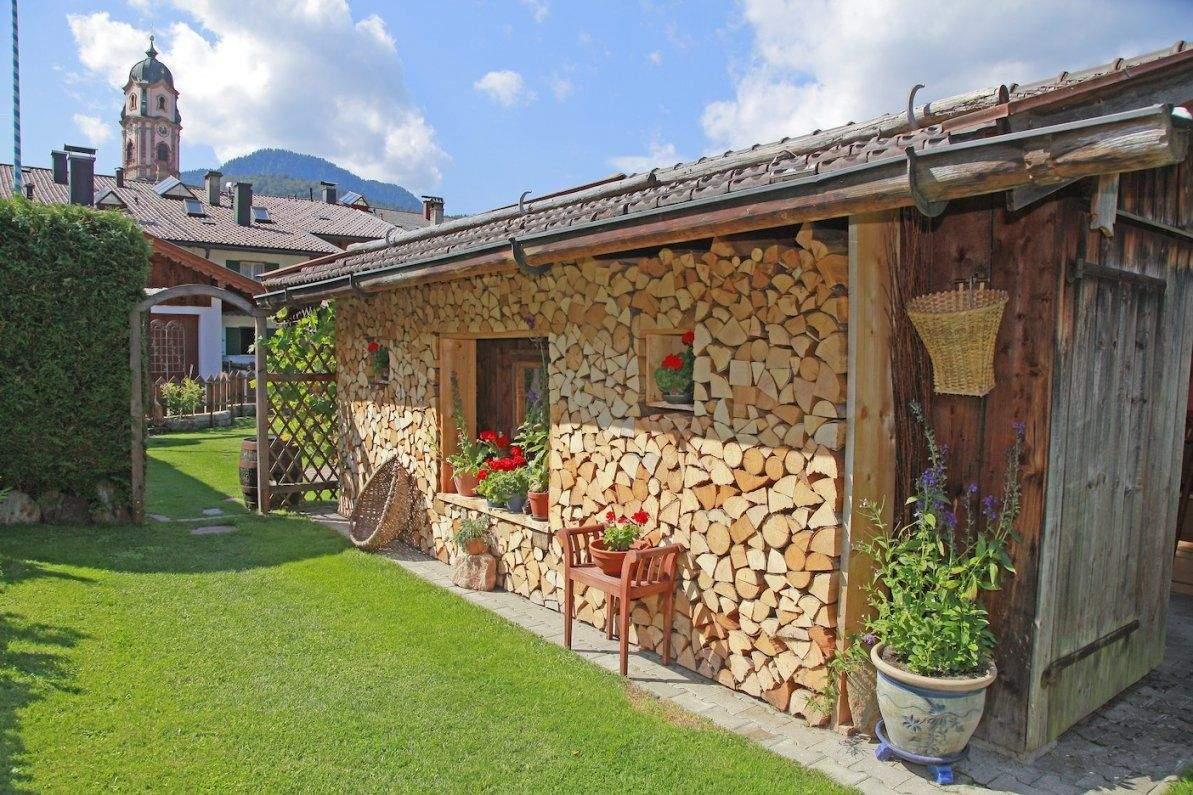 sitzecke im garten mit steinmauer von sitzecken im garten bilder photo