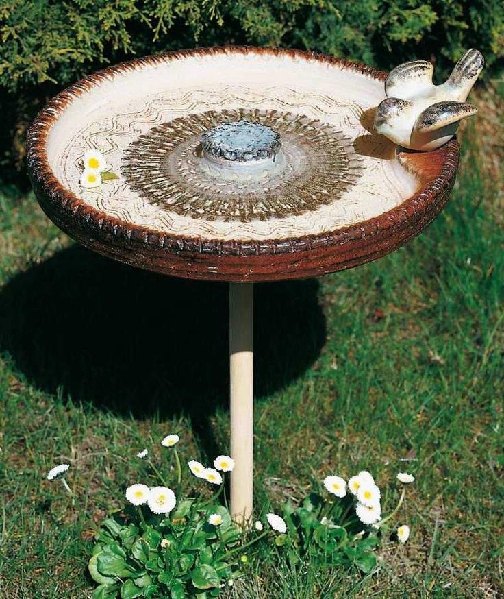 Vogeltränken Für Den Garten Frisch Vogeltränke Auf Stock Gleich Mehrere Vorteile Hat Se