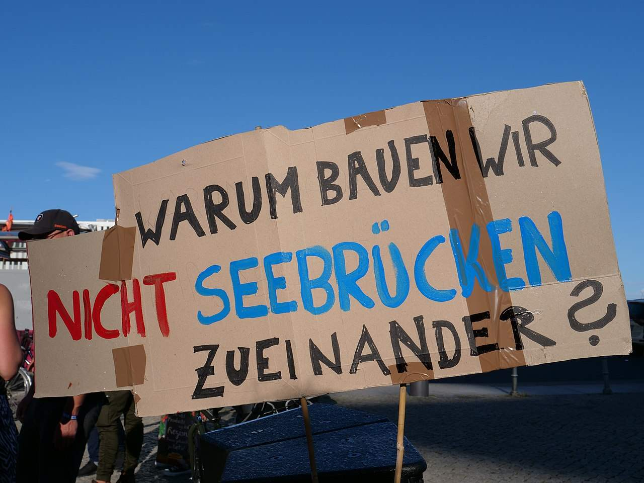 "1280px ""Seebrücke"" Demonstration for sea rescue in the Mediterranean sea in Berlin 7th of July 2018 02"